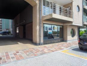 Handelsgelijkvloers op goeie commerciële ligging in het centrum van Nieuwpoort.  Indeling: - handelsgelijkvloers bestaande uit inkom met sas,