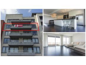 Riant en strak ingericht appartement (ca. 200 m² excl. terrassen) op de vierde verdieping in residentie Puerto Colon. Gelegen aan de jachthaven v