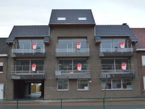 Nieuwe duplex met 2 slaapkamers en veel ruimte..<br /> <br /> De duplex heeft volgende indeling:<br /> > inkom met trap naar 2de verdieping<br /> &