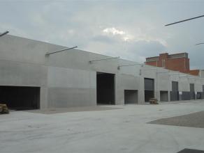 Moderne nieuwbouwatelier (opslagruimte) van ca. 1.255m² met vrije hoogte van 5,5m.<br /> <br /> Specificaties:<br /> - 2 elektrische sectional
