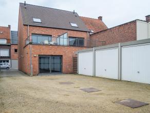 Recent appartement (bouwjaar 2013) met 1 slaapkamer gelegen op een boogscheut van het centrum van Roeselare. Mogelijkheid tot garage.<br /> <br /> IND