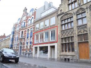Gunstig gelegen appartement op wandelafstand van de Grote Markt en station. Geen bijkomende syndickosten! Twee slaapkamers en onmiddellijk beschikbaar