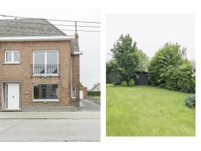 Deze rustig gelegen halfopen woning heeft een grondoppervlakte van 559 m², aangename zonnige tuin en 3 slaapkamers. De woning is dicht gelegen bi