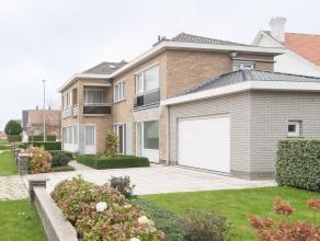 Deze instapklare villa met vier slaapkamers is gelegen in de rustige buurt Mariakerke te Oostende, op slechts 5 minuten rijden van het stadscentrum en
