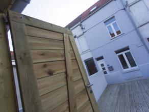Knusse woning in rustige buurt voorzien van alle comfort.<br /> De woning werd volledig gerenoveerd en beschikt over 2 mooie slaapkamers.<br /> Aan de