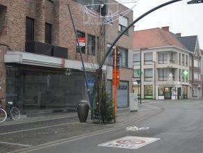 HANDELSRUIMTE van ca. 240m² nabij de Grote Markt.<br /> <br /> Verder in te richten handelsruimte (vrij van huur), met  ca. 13 meter façad