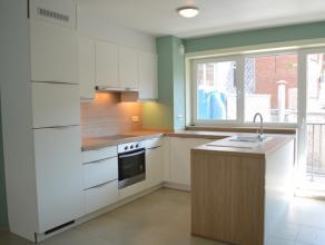Recent appartement met 2 slaapkamers en terrasje!<br /> Gelegen nabij vernieuwd stationsplein Roeselare.<br /> <br /> Het appartement bevat:<br /> ink