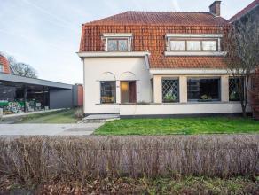 Deze karaktervolle woning is gelegen nabij het centrum van Brugge met vlotte verbinding naar het station. Gelegen op een perceel grond van 482m².