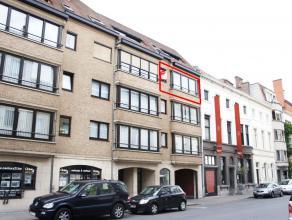 Ruim appartement met 2 slaapkamers vlakbij het station. Het appartement beschikt over veel lichtinval en is voorzien van alle comfort. <br /> <br /> I