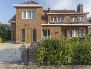Statige villa in residentieel Leopold III kwartier. <br /> <br /> Deze ruime villa biedt bijzonder grote ruimtes. Statige inkom, ruime eetkeuken, livi