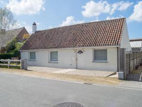 Charmant huis met zonnige tuin nabij het centrum van Dudzele.<br /> <br /> Indeling:<br /> gelijkvloers:  inkomhal (2m²) - ruime leefruimte (38m&