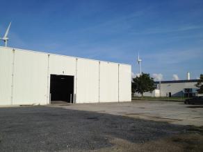 Loods (525m²) op omheinde industriële site, gelegen op industrieterrein Herdersbrug.<br /> <br /> Magazijn (525m²): Polybetonnen vloer,