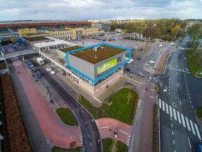 Commerciële ruimte / kantoor (283m²) gelegen aan het Station van Brugge, perfect zichtbaar van op de ring. Schitterende groene zichten op Mi
