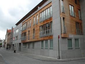 Ondergrondse gesloten garagebox in Residentie Richelieu. Inrit via de Zilverstraat met automatische kantelpoort. <br /> <br /> - Huurprijs:  € 100,00<