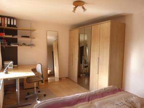 Dit rustig gelegen appartement ligt aan de Gentse Groendreef. Dit appartement is de ideale uitvalbasis want op minder dan 10 min fietsen sta je in cen