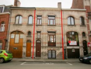 Charmante op te frissen authentieke bel-étage woning met grote zongerichte stadstuin op 297 m². Gelegen op 100 meter van de Grote Markt en