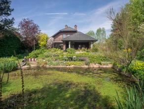 Villa aan de rand van Muziekbos op 3680m². De ligging is bijzonder rustig met een prachtig verzicht.<br /> Deze woning werd in 1992 gebouwd. <br