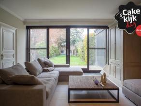Deze woning is opgetrokken op een perceel van +/- 363 m² en is gelegen pal in het centrum van Roeselare. Kan dienst doen als woning met combinati