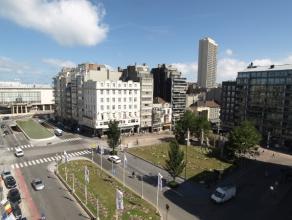 Modern gerenoveerd hoekappartement met 2 slaapkamers gelegen met open zicht op de casino van Oostende en aan de andere zijde op het beeld van Dikke Ma