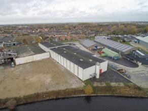 Bedrijfsgebouw (4.000 m²) gelegen op industriezone 'Herdersbrug'. Terreinoppervlakte 5.130m². <br /> <br /> INDELING:<br /> Bedrijfsgebouw b