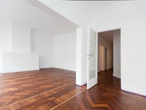 Volledig vernieuwd appartement op de tweede verdieping nabij het Sint Pietersstation. Dit appartement bestaande uit drie slaapkamers, ruime leefruimte