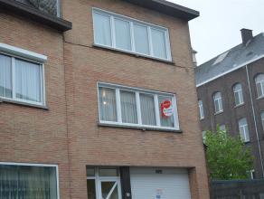 Volledig opgeschilderd appartement met 2 slaapkamers nabij centrum Roeselare.<br /> <br /> Het appartement heeft volgende indeling:<br /> <br /> gezel