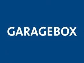 Gesloten garagebox met plaats voor 1 wagen.<br /> <br /> - Huurprijs:  75,00<br /> - Afmetingen: Lengte: 6,50m <br />                       Breedte: