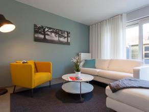 Gelijkvloers appartement met 2 slaapkamers, tuin en garage!<br /> <br /> Het appartement omvat volgende indeling:<br /> privé inkom, toilet met