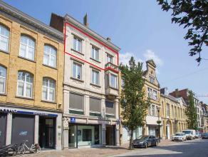 Instapklaar en lichtrijk appartement (ca. 105 m²) op de derde verdieping in Residentie Reynaert.<br /> <br /> INDELING:<br /> inkom (ca. 5 m&sup2