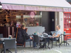 Volledig geïnstalleerde tearoom op een commerciële ligging in het centrum van Brugge.<br /> <br /> Indeling:<br /> Handelsgelijkvloers besta