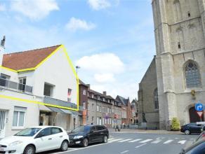 Gezellig en ruim appartement op de eerste verdieping. Erg centraal gelegen nabij de Grote Markt. <br /> <br /> Appartement omvat:<br /> ruime inkomhal