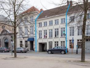 Handelspand met niet-ingericht privé-appartment op top-toeristische ligging in het centrum van Brugge.<br /> <br /> Algemeen:<br /> > Voorhe