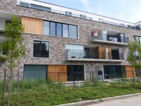 Dit appartement situeert zich op de tweede verdieping van het nieuwbouwproject Waterfront in een groene omgeving en op fietsafstand van het centrum va