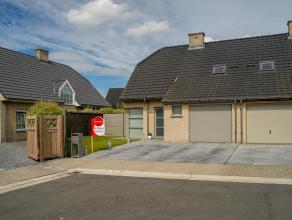 Deze perfect onderhouden, instapklare woning werd gebouwd in 2007 en is gelegen in een rustige woonwijk te Rumbeke op een perceel van +/- 330 m².