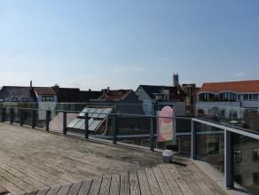Dit appartement is gelegen in de onmiddellijke omgeving van het Zuid. Een topligging in het Gentse, gezien tram en bus slechts enkele minuten stappen