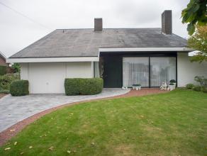 Deze goed onderhouden villa is opgetrokken op een perceel van +/- 690 m² en is gelegen in een kindvriendelijke buurt op de Zilverberg, regio Roes