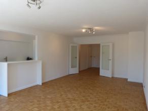 Volledig gerenoveerd appartement met twee slaapkamers gelegen op de Coupure te Gent. Een topligging in het Gentse, dit in combinatie met een totaalren