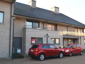 Recente gezinswoning met 4 slaapkamers, garage en zonnige tuin. Zeer rustig gelegen in een kindvriendelijke omgeving en voorzien van een uitstekende b