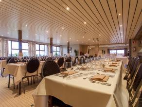 Feestzaal in rustige, groene omgeving nabij N60. Fiets- en wandelroutes in de buurt.  Oppervlakte  feestzaal 500 m²  grond 1250 m²  Sp