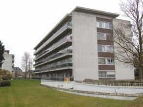Dit appartement is gelegen op de 3e verdieping van een residentie 'Ter Poorte' en ligt op wandelafstand van het centrum van Brugge. Ook de nabijheid v
