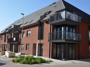 Dit mooie nieuwbouwappartement te Ruddervoorde is gelegen in het centrum en heeft een vlotte verbinding met de autosnelweg. Het appartement is instapk