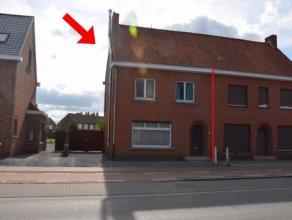 Deze te renoveren halfopen woning is ingeplant op een perceel van 554 m² en is gesitueerd in het centrum van Beernem. De ligging nabij snelweg E4