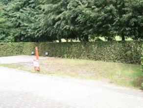 Residentie Hof van Bourgondie - K de Stoutelaan / Drukkerstraat: 3 autostaanplaatsen achteraan te huur.
