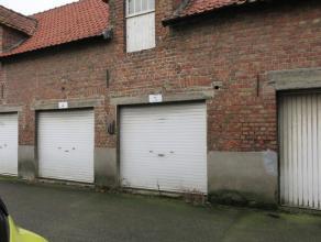 Garage aan de rand van Brugge in Sint-Pieters, langs invalsweg naar het centrum van Brugge.Onmiddellijk vrij !