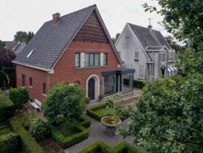 Deze ruime villa heeft een interessante ligging in Sint-Michiels langs een gekende invalsweg naar het centrum van Brugge. Het energiezuinige pand is v