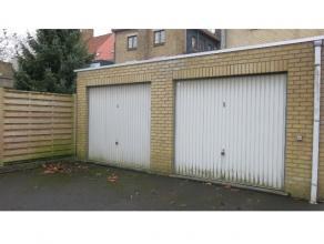 Garage met ideale en zeer rustige ligging in Kristus Koning, een aangename woonwijjk net buiten het centrum van Brugge.Ideaal voor de bewoners in de b