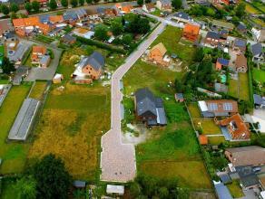 Danneels verkoopt net buiten het centrum van Arendonk rustig gelegen bouwgronden. Er worden zowel kavels voor open en halfopen bebouwing aangeboden. A