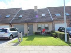 Brugge KoolkerkeInstapklaar woonhuis met zonnige tuin en achterpoortje, garage +3 slpks op 262m2omvat : inkom met toilet,gezellige zitplaats uitgevend