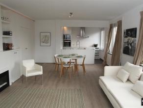 GEMEUBELD: Prachtig gerenoveerd en stijlvol bemeubeld woonappartement (120m2!) te Zeebrugge met zeezicht!Indeling: ruime inkomhal met vestiairekast en