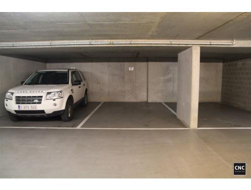 Garage louer knokke 110 esvdg cnc for Garage professionnel a louer